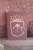 Esgrafiado. Escudo Hoyo de Pinares.